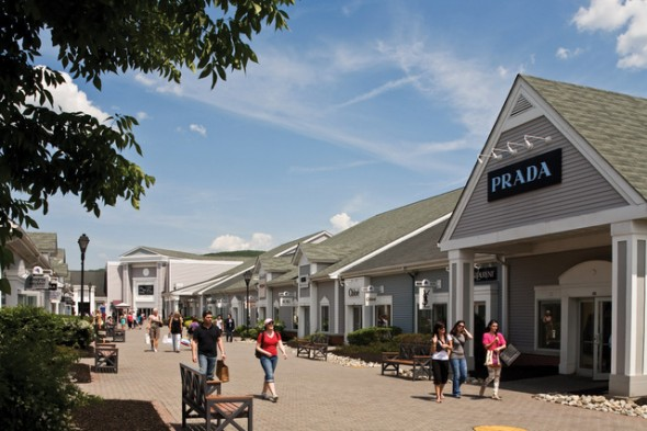 Woodbury Common Premium Outlets® is located one hour North of New York City. With stores, this center is the world's largest collection of designer outlets.