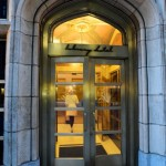 """The Ideal Hotel for a calm and classy trip to New York: """"The Library Hotel"""""""