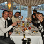 Dinner on a yacht around Manhattan for a romantic night