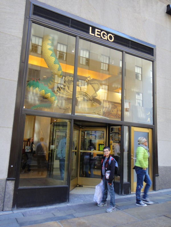 065d3b758 The best stores for kids on the 5th Avenue (Good Tip in New York ...