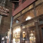 Discover one of the oldest bars of New York City: Old Town Bar