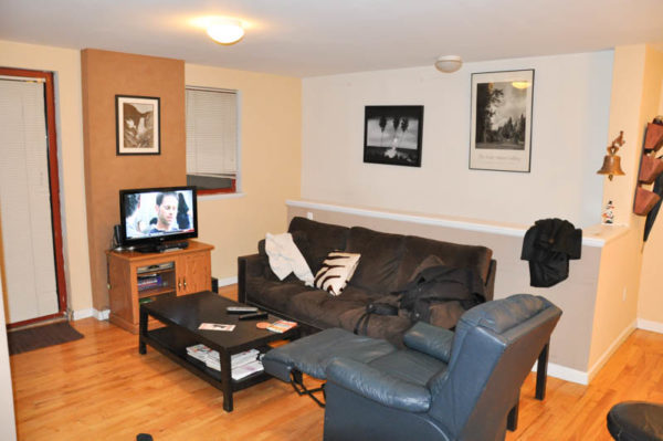 Offer Of Furnished Apartments Medium And Long Term Ny Habitat Proposes The Largest Number Aribnb Is Just Behind