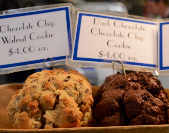 Where can you find the best cookie in New York? At Levain Bakery of course!!!