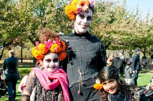 brooklyn-botanic-garden-ghouls-gourds-brooklyn-fall-2014-travel-guide-600x398