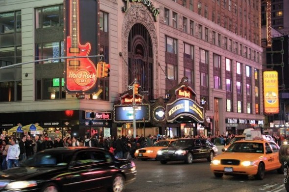 Restaurants  located in Times Square for New Year's Eve