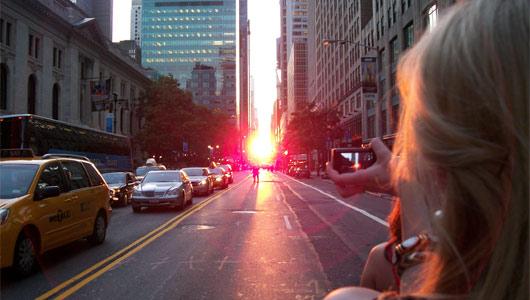 Watch Manhattanhenge in New York