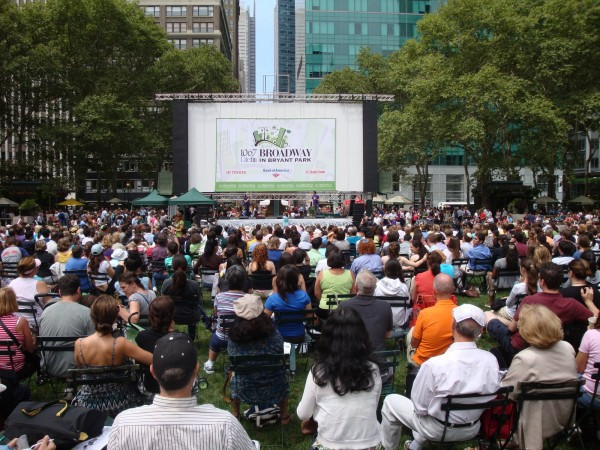 Broadway-in-Bryant-Park-2014-4