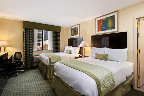 Ramada-Long-Island-City-Room-Photo-