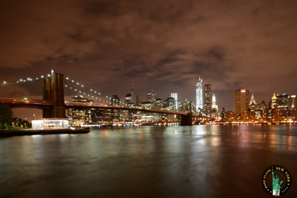 brooklyn-bridge-park-new-york-carusel-night
