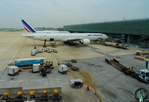 new-yrok-group-airplane-airport