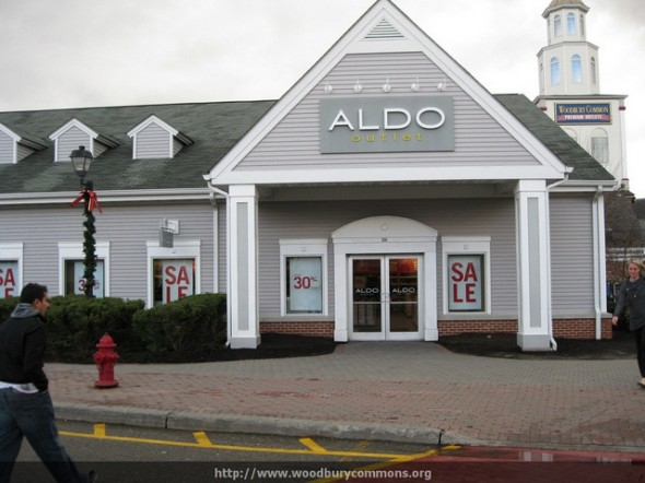 Aldo-Woodburry-Common-Premium-Outlets
