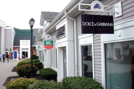 dolce-gabbana-woodbury_common_premium_outlets