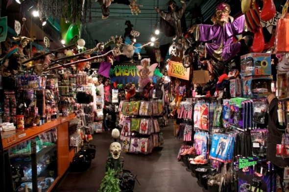 Halloween Adventure.Where Can You Rent Costumes In New York For Halloween Or Parties