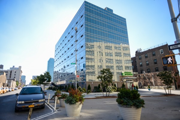 the wyndham garden long island city an economic hotel near manhattan