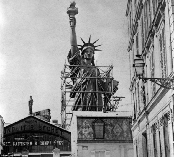 statue-of-liberty-13-590x531
